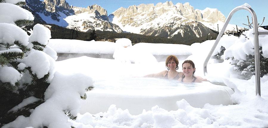 Austria_Ellmau_Hotel-Hochfilzer_Whirlpool-winter.jpg